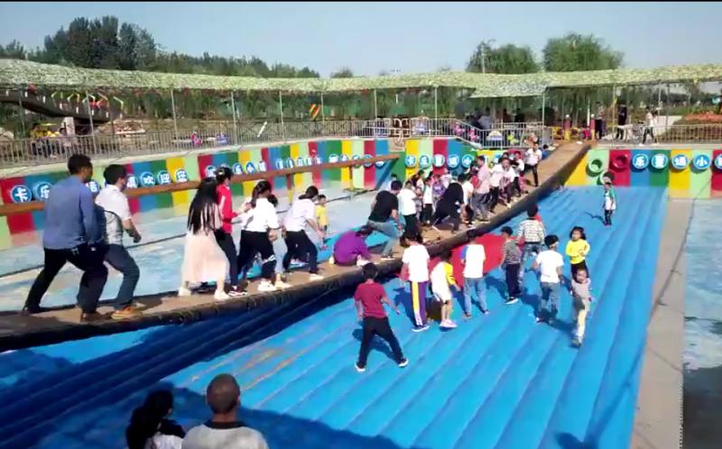 网红桥气垫 网红桥安全充气垫厂家定制 郑州乐鲸游乐设备公司