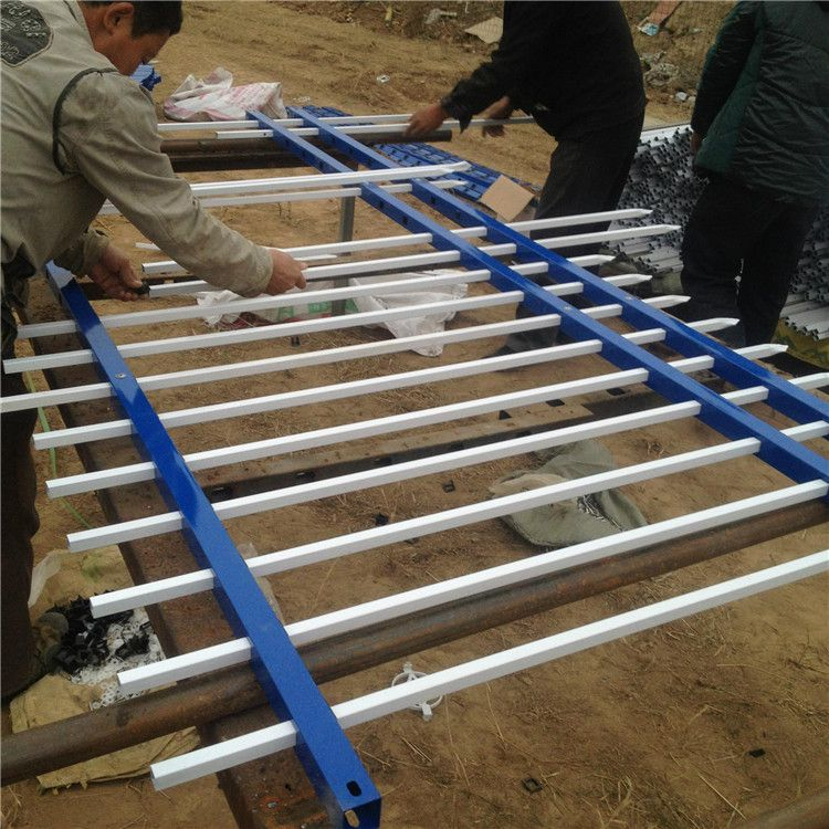 三横杆锌钢护栏网 小区防攀爬围栏 电站围界护栏