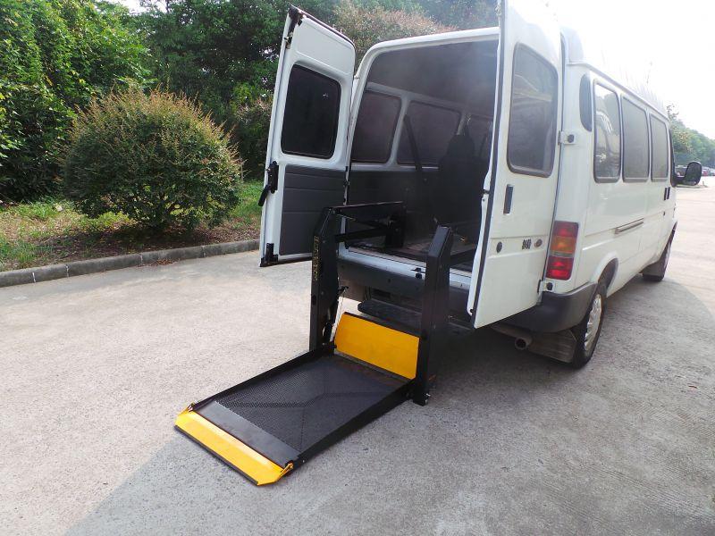大通G10商务车尾门一体式平台残疾人轮椅升降机