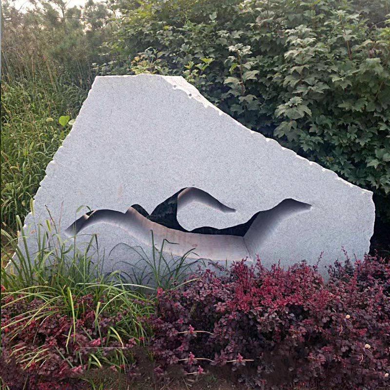 石雕风景石花岗岩镂空抽象运动人物摆件公园景观石头雕塑曲阳万洋雕刻厂家定做