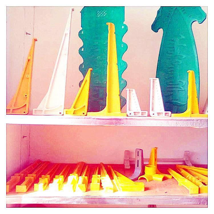 玻璃钢支架系列产品使用寿命长【找霈凯】电缆支架玻璃钢评价排行第一