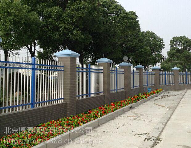 包头烤漆围墙护栏,Q235HC市政园林护栏,仿竹篱笆围栏耐潮湿性,耐候性以及长久的表面光滑