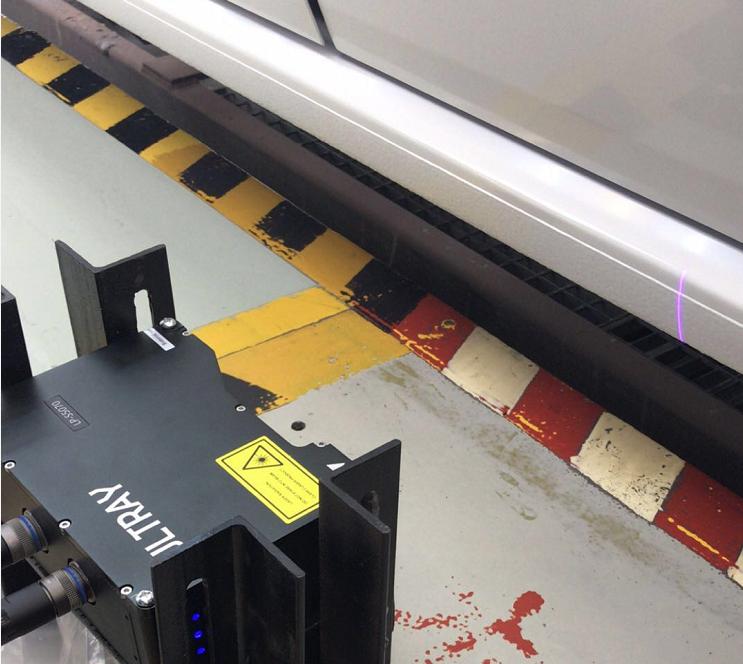 3D激光轮廓扫描检测传感器对汽车油漆表面平整度检测
