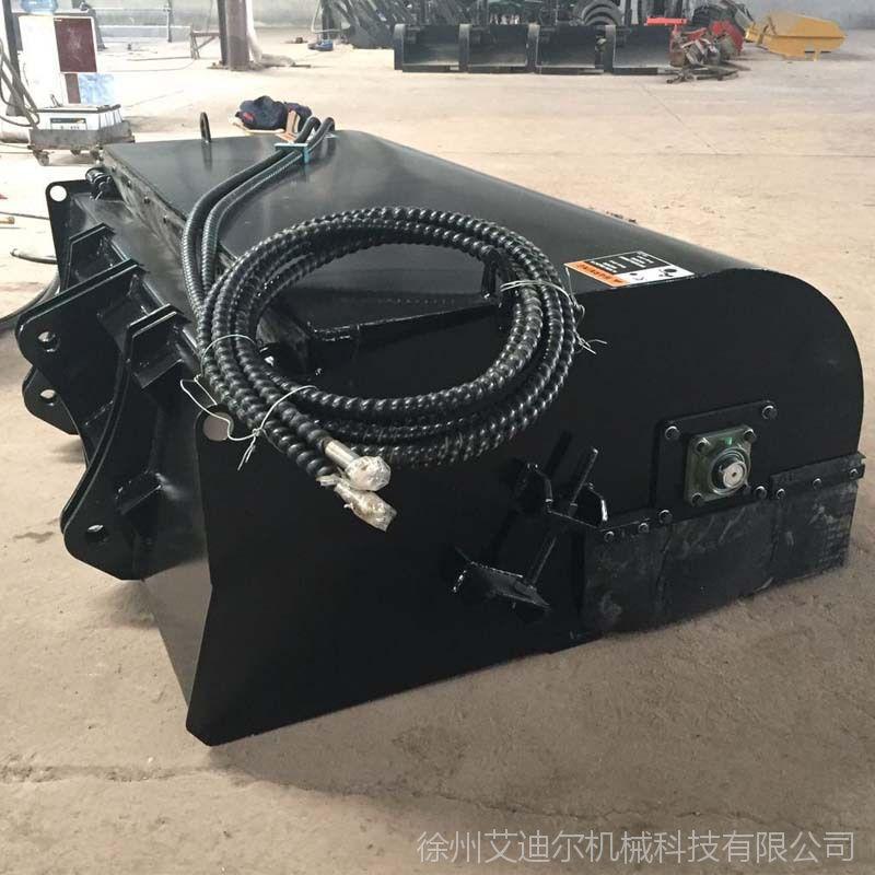 小型装载机前置扫地机价格 山东鲁宇926改装封闭清扫器厂家