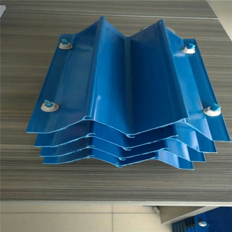 M型收水器片材生产中