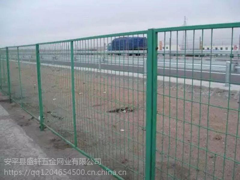 供应框架护栏网 围栏网 浸塑护栏网