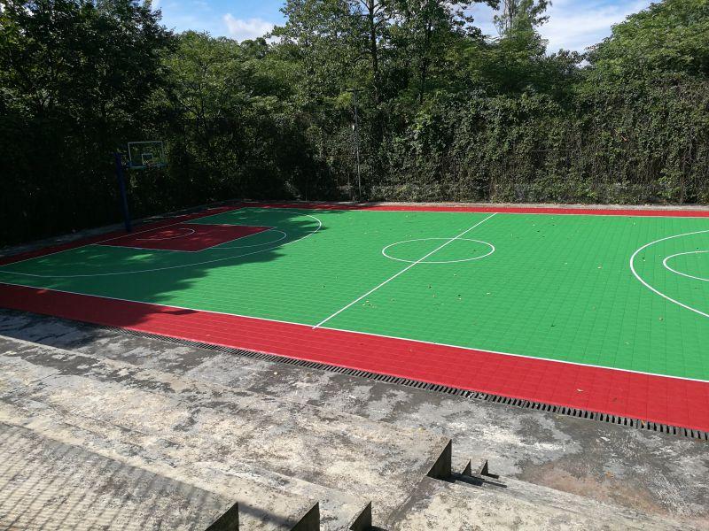 篮球场塑胶地面围网隔离功能分区
