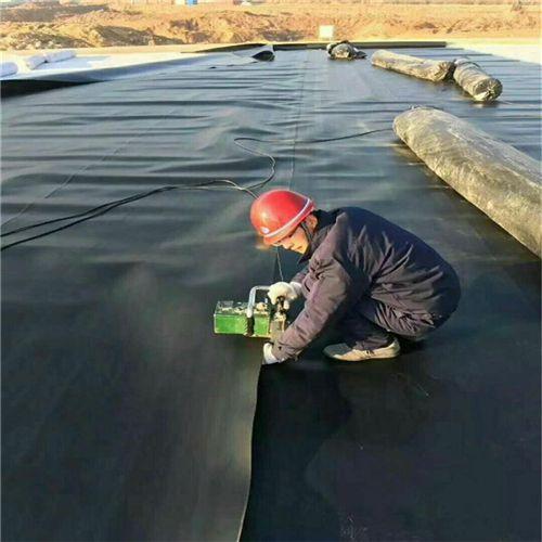 1.5mm聚乙烯土工膜-采用双轨热熔焊接法