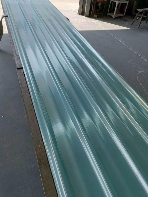 900型采光板生产现场
