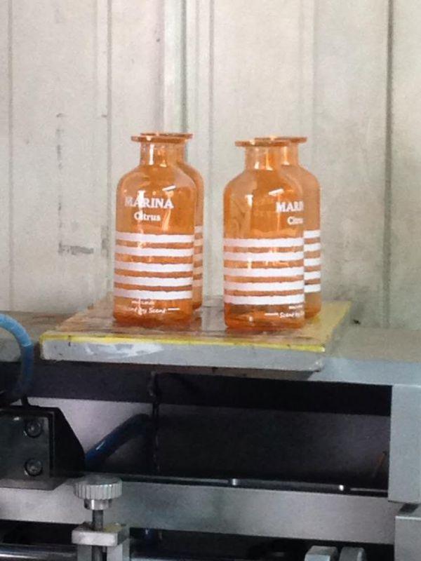 厂家玻璃缸内喷自动喷漆机 省漆喷涂均匀 各类玻璃杯内喷设备