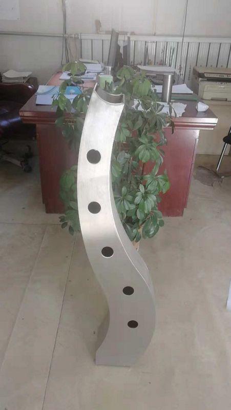 http://himg.china.cn/0/5_991_1266827_451_800.jpg