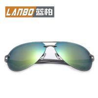 经典偏光太阳镜男女士墨镜蛤蟆镜眼镜批发P-143彩膜