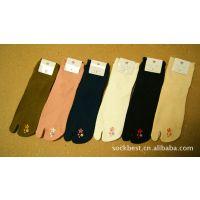 外贸原单纯棉袜子批发商-带刺绣的-日本原单和风-二趾袜-素色热卖