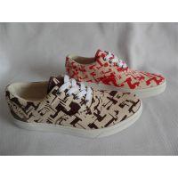 供应新款时尚女士帆布鞋加工定制