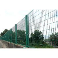 供应安全隔离防护网设置规范,道路交通护栏网安装,绿色护栏网多少钱一米