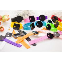便宜时装手表现货批发LED手表批发黑色带硅胶LED电子表