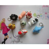 供应各类塑料圆珠笔,塑料挂件,款式多,会发音,会亮,欢迎选购