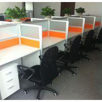 供应保定屏风办公桌 ,有长方形桌面的和拐角桌面的,其中包括培训桌椅