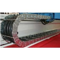 山东庆云奥兰机床附件制造有限公司生产180型保护油气管钢铝拖链