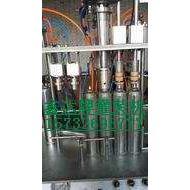 发布鑫达牌聚氨酯泡沫胶灌装机械设备(报价)