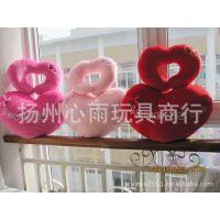 2011婚庆季 桃心爱情毛绒靠垫/抱枕+爱心U型护颈枕 两件套