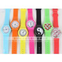 外贸热销新款糖果色透明塑胶手表小清新石英学生表现货批发