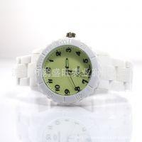 新款防陶瓷塑胶手表 夜光表 军表 时尚个性品牌手表工厂生产