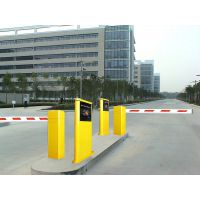 供应上海刷卡道闸安装维修,伸缩门安装