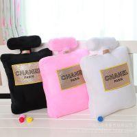 【新款上市】chanel毛绒创意抱枕 香奈儿香水瓶造型抱枕 批发