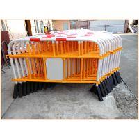 供应工厂直销华顺塑胶铁马、优质道路隔离栏、防护栏、交通护栏、围挡、道路交通设施
