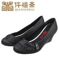 仟禧斋老北京布鞋批发 舒适妈妈坡跟中跟鞋 时装工艺休闲女鞋