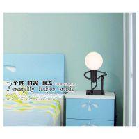 T011韩国时尚机器人POSE台灯 卧室床头小夜灯 玻璃小台灯铁艺灯