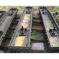 6米焦化炉门材质可选用儒墨铸铁,球墨铸铁,普通灰铸铁三种。由于采购厂家的生产工况与焦炉新老成度不同,