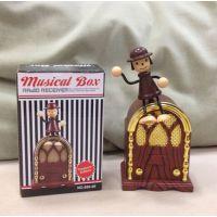 新款仿真音乐盒 人偶收音机音乐盒 经典迷你收音机造型八音盒