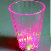 工厂专业生产定制开关控制LED七彩发光酒杯感应发光闪灯杯子