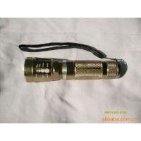 猎虎牌  供应变焦 充电 干电池 电筒套装