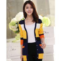 模特实拍秋装新款韩版针织开衫女 中长款长袖条纹彩条打底衫