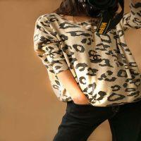 2014秋装新款豹纹图案中长款宽松蝙蝠袖显瘦大码针织打底衫女毛衣