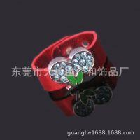 【生产批发】PU蛇纹皮革戒指 精美镶钻草莓8MMpu指环 水果小礼品