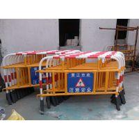 供应厂家直销出口海外施工护栏、隔离栏、交通护栏、优质塑料铁马、防护栏、道路交通设施
