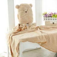 方熊汽车三用毯毛绒暖手抱枕靠垫空调毯可加工定制卡通毯子招代理