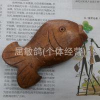 手工雕刻香薰木质挂件 木鱼项链 毛衣链厂家批发