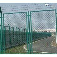 钢板网护栏网-钢板网护栏网价格-钢板网护栏-仓库隔离网-公路护栏网-双边丝护栏网-南京护栏网