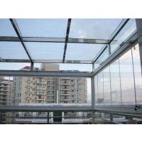 佛山玻璃钢结构雨棚较其他材质的雨棚有哪些优势,佛山哪家玻璃雨棚工艺好,家装玻璃雨棚华冠门窗装饰