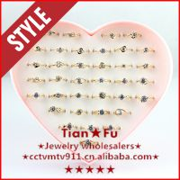 镀18K促销香槟锆石戒指饰品批发超值36支盒装结婚钻戒