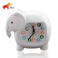 厂家直销 创意可爱大象闹钟 居家日用简约台钟