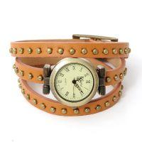 外贸热销 时尚休闲一排圆形铆钉石英手表 PU皮革3圈缠绕手链表