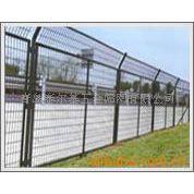 厂供青岛护栏网、山地围栏网、工业园浸塑围栏网
