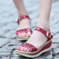 2014新款女式凉鞋 优质漆皮亮片厚底女式凉鞋 时尚百搭凉鞋批发