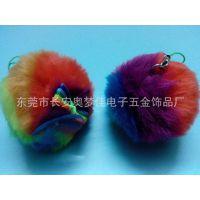 厂家供应七彩假毛毛球挂件毛绒饰品配蝴蝶结毛球手机挂件